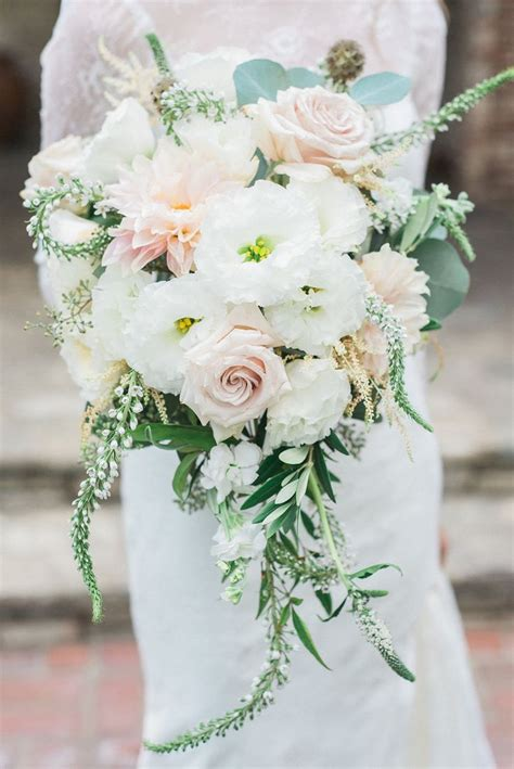 Wedding Flowers And Bouquet by Best 25 Cascading Wedding Bouquets Ideas On