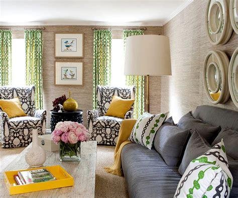 gemusterte vorh nge die perfekte farbpalette im wohnzimmer 20 farbenfrohe