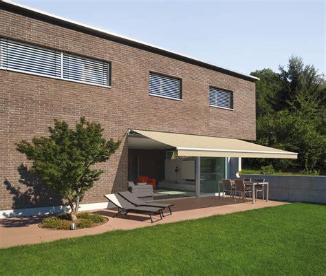gelenkarm markise terrasse als wohnf 252 hlzimmer mit sonnenschutz