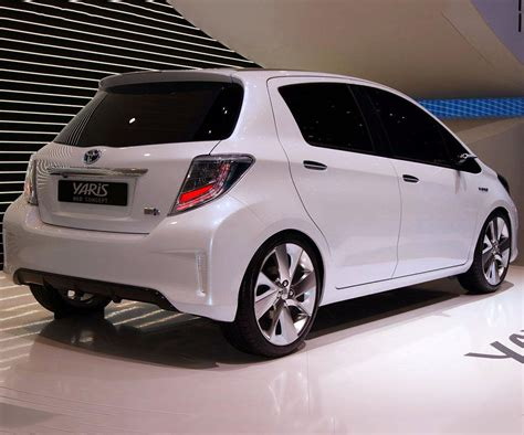 toyota car 2017 toyota yaris pictures cars models 2016 cars 2017