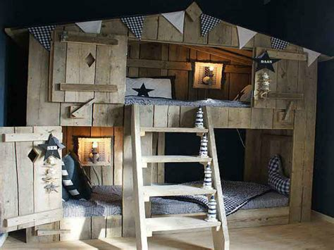 bunk beds with slide for boys dining room curtain treehouse bunk beds for boys bunk