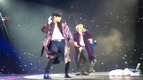 bts cypher 4 fancam bts cypher 4 the wings tour in chicago 170329