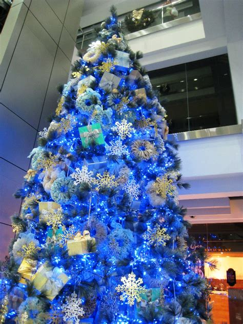 awesome christmas decorations 25 awesome blue decorations ideas interior vogue