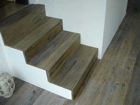 scale rivestite in legno scale in legno coordinate con i pavimenti in legno il