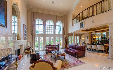 2 story great room 2 story great rooms homes of the rich
