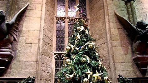 hogwarts in the snow the great hall christmas tree