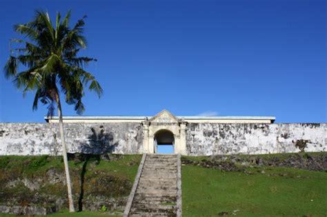 biografi kapitan pattimura wikipedia obyek wisata sejarah maluku benteng duurstede wisata alam