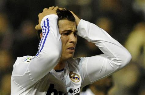 imagenes de liga llorando real madrid pierde y queda a siete puntos del barcelona