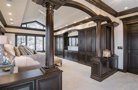 Urbandale Master Suite Transformed Into a Luxurious