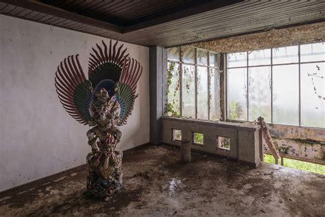 romain veillon photographer romain veillon captures a ghost hotel in bali