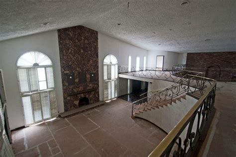 mike tyson house southington ohio exploring mike tyson s abandoned mansion urban ghosts