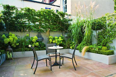 gartenecke bepflanzen handbuch kleine g 228 rten terrasse garten