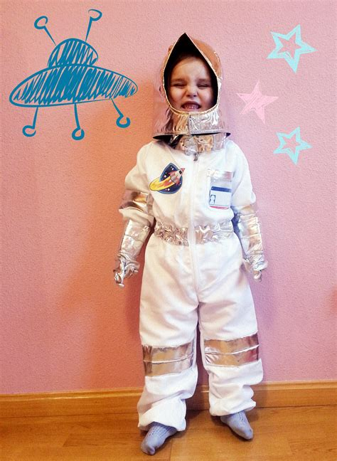 astronauta de material reciclado disfraz de astronauta mamaenred