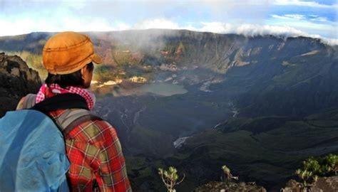 film dokumenter gunung tambora belasan tokoh bahas peradaban nusantara di borobudur