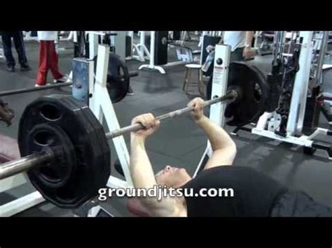 old man bench press 79 year old man doing heavy bench press youtube