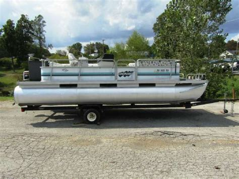 lowe pontoon boats used used lowe pontoon boats for sale boats