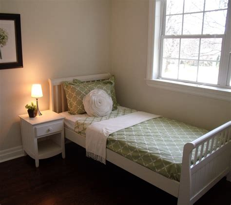 rent to own twin headboard bedroom set rental for home staging by stagers source in