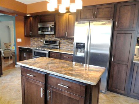 what to look for in kitchen cabinets what to look for when refacing kitchen cabinets american hwy