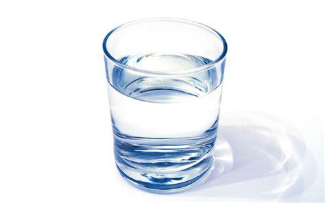 bicchieri d acqua bergamo 5 per un bicchiere di acqua in un locale