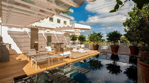Miami Crib Rental by Shareef Malnik Does Cribs Style Tour Of The Top 15m