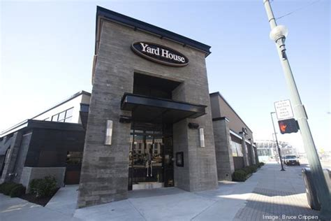 yard house cincinnati oh take a peek inside the banks newest tenant yard house cincinnati business courier
