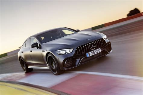 4 Door Coupe by Amg Gt 4 Door Coupe Bierze Na Celownik Panamerę