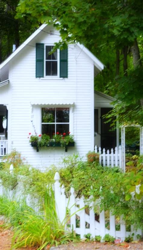 tiny cottage for rent lee nh 41 best images about ڿڰ garden cottage ڿڰ on
