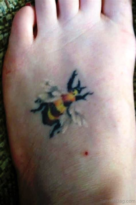 37 impressive bee tattoos on foot