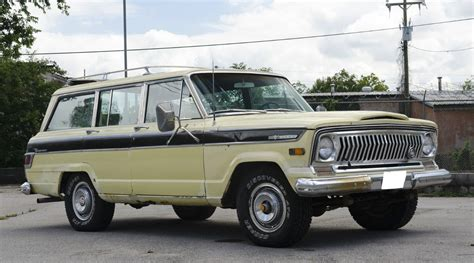 jeep wagoneer 1970 jeep grand wagoneer project car jeep