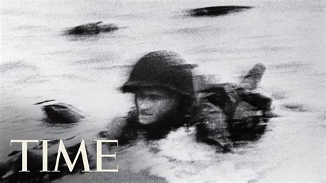 s day photo gallery d day robert capa s photo of normandy 100