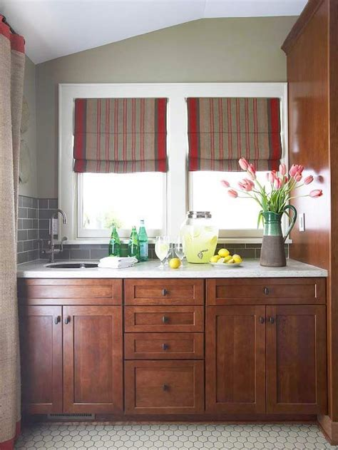 wood stain kitchen cabinets best 25 staining wood cabinets ideas on pinterest how