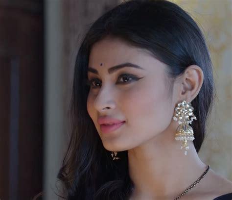 nagin 2 serial moni roy sari hd image download pictures of shivanya from nagin tv serial of colors