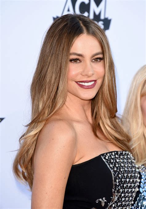 sofia pics sofia vergara s lipstick at the academy of country