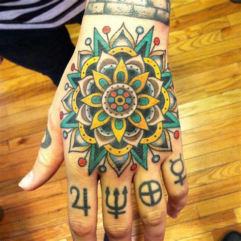 henna tattoos jena i this mandala but i want it on my wrist