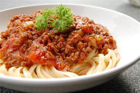 italian dishes spaghetti bolognese recipe dishmaps