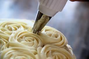d lish velvet cake cake decorating tutorial