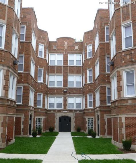 Apartments In Chicago Lawn Area Pangea Real Estate Apartments Chicago Il Walk Score
