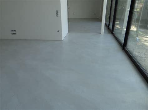 polierter betonboden selber machen fugenlose spachtelb 246 den betonboden loftboden mineralisch