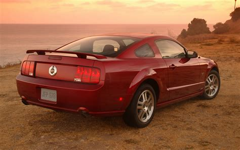 2005 ford mustang 2005 ford mustang gt rear three quarter photo 16