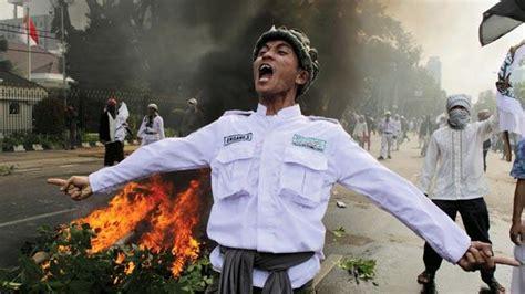 film indonesia muslim violent anti film protests spread in muslim world