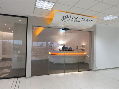 skyteam lounge sydney review