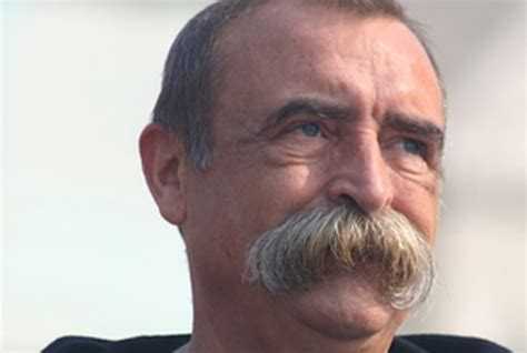 actor with huge mustache 5 different styles of upperlip covering mustache mensok