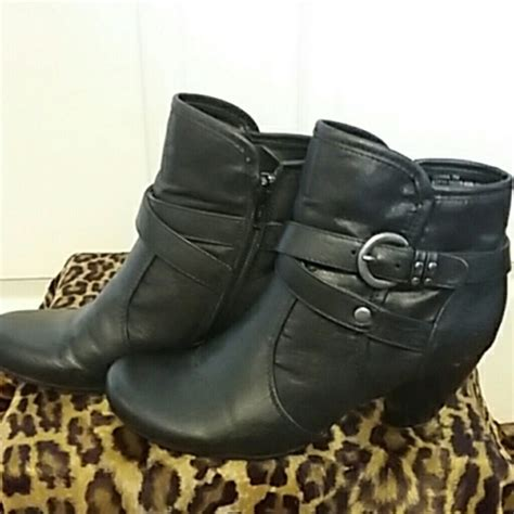 beartrap boots traps bare trap boots from elaine s closet on poshmark