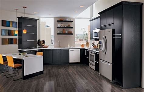 Kitchen Cabinet Episodes Quartersawn Oak Kitchen In Onyx Kraftmaid