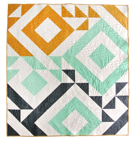 pattern for triangle baby quilt triangle jitters quilt pattern download suzy quilts