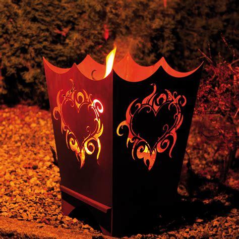 feuer im feuerkorb feuerkorb flammenherz g 228 rtner p 246 tschke