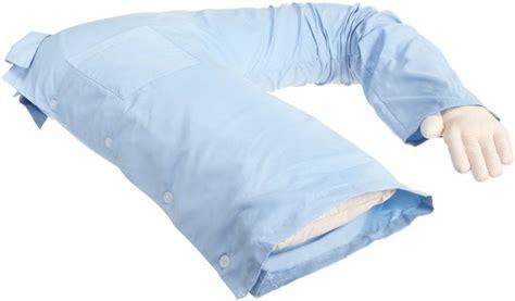 cuscino fidanzato notti romantiche anche per le single con il cuscino