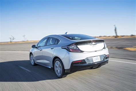 chevrolet volt 2017 motor trend car of the year contender