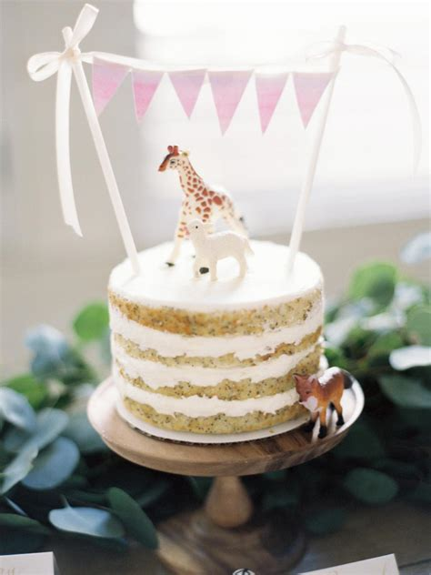 Diy Baby Shower Cake by 21 Diy Ideas For Baby Shower Cakes And Desserts Hgtv