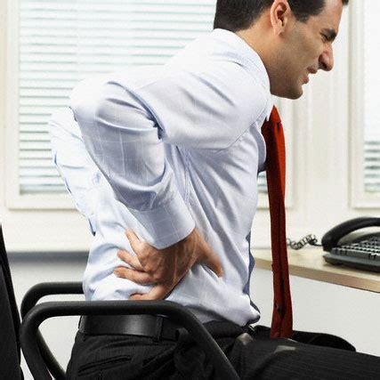 stare seduti stare troppo seduti fa a ginocchia e colonna